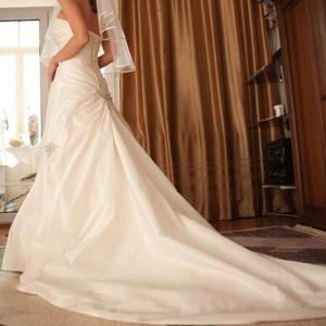 Продаю шикарное эксклюзивное свадебное платье