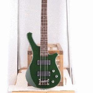 Продаётся бас-гитара Bass