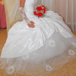 Продам шикарное свадебное платье(белое)