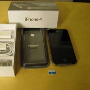 Buy Brand New Apple Iphone 4 32GB & BlackBerry Torch 9800