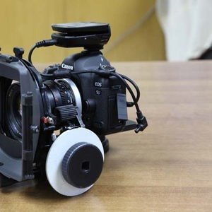 Продается Новая:Canon EOS 5D Mark II 21MP DSLR камеры
