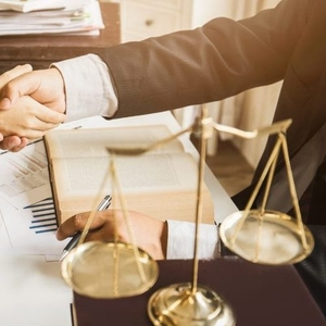 Юридические услуги,  адвокат